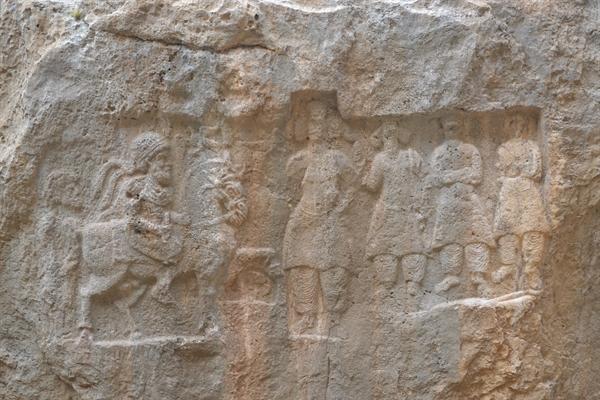 اجرای طرح پژوهشی مطالعات آثار صخره ای خوزستان