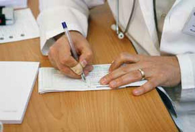 اخلاق پزشکی باید با سیره عملی آموزش داده گردد، افزایش واحدهای درسی بی تاثیر است