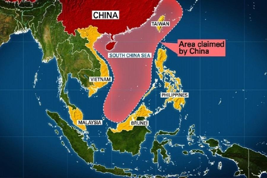 پرواز بمب افکن آمریکا بر فراز جزایر مورد ادعای چین