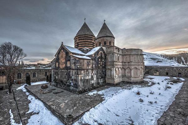 واکنش به حاشیه های مرمت بنای ثبت جهانی قره کلیسا ، ماجرای تغییر رنگ حاشیه ساز گنبد چه بود؟