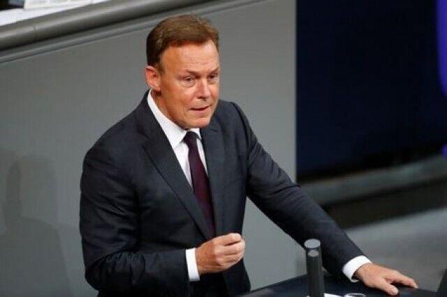معاون مجلس آلمان خواهان لغو تحریم ها علیه ایران شد