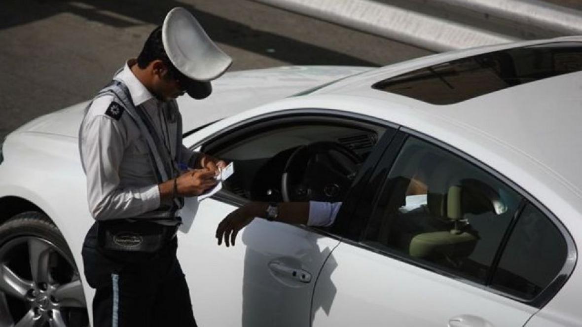 برخورد قانونی پلیس با رانندگان خودرو های شیشه دودی