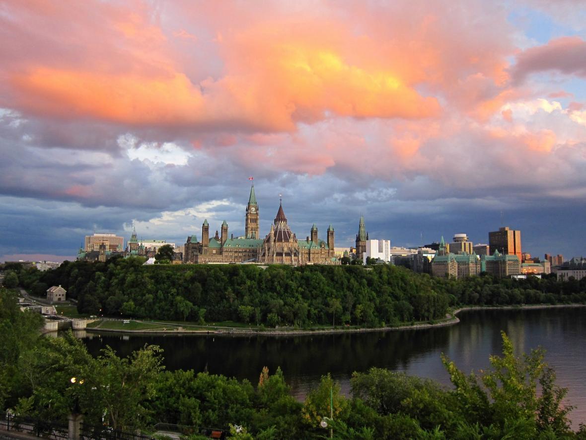 مقاله: سفر به اتاوا با ویزای توریستی کانادا