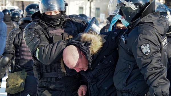 روسیه، بازداشت دهها معترض ضدپوتین