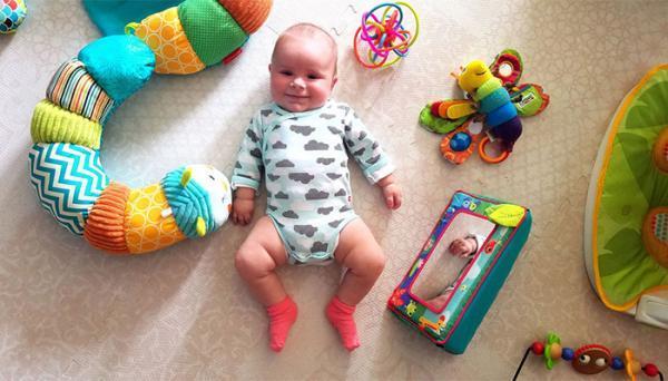 مراحل رشد نوزاد سه ماهه و نکات مربوط به آن