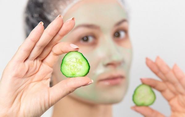 طرز تهیه 20 ماسک خیار خانگی آسان برای تقویت پوست