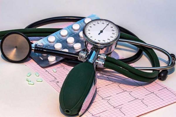 داروها و مکمل هایی که می توانند فشار خونتان را بالا ببرند
