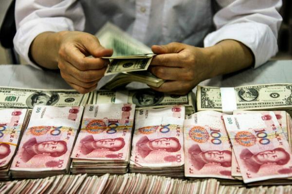 سقوط ارزش دلار در برابر یوآن چین